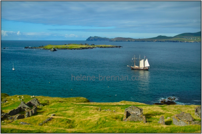 Image The ship, Bel Espoir, as she settled for the evening at Great Blasket Island