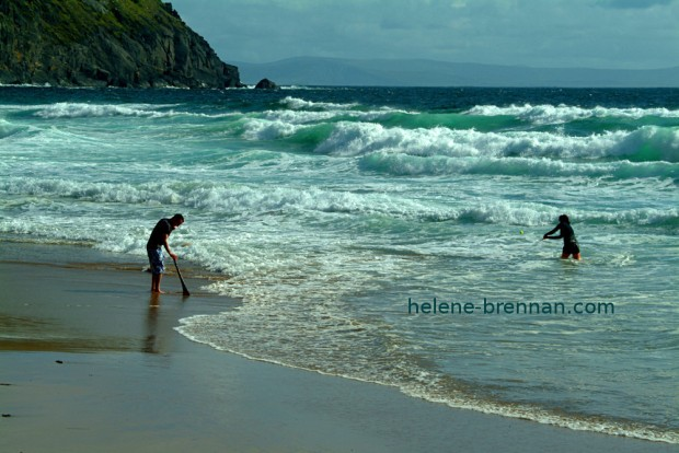 HURLING ON COUMINOLE BEACH