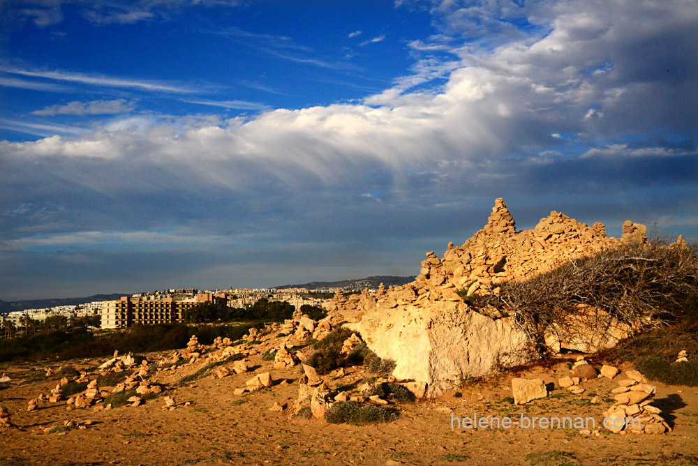 tombs of kings - stone piles1462-