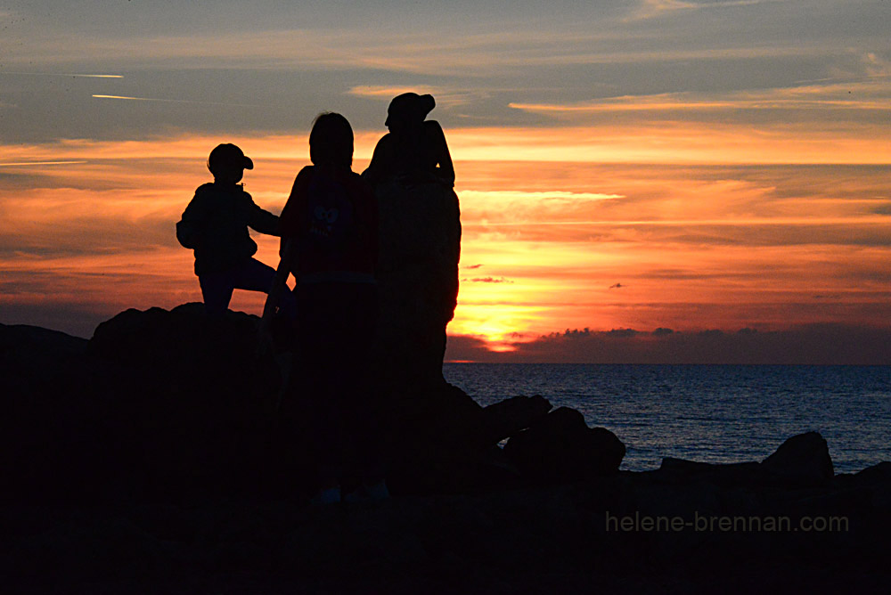 paphos sunset with figures and sculpture DSC_2172