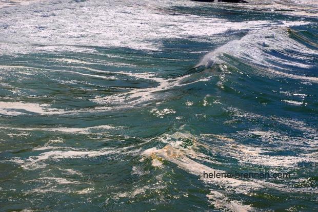 Turbulent sea 8171-