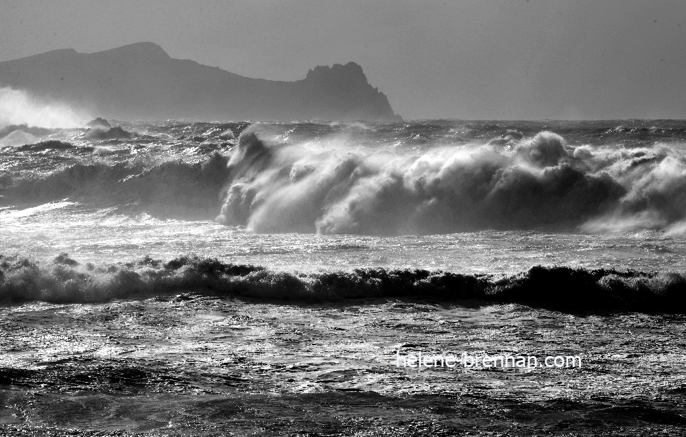 DSC_2052 sleeping giant clogher bw