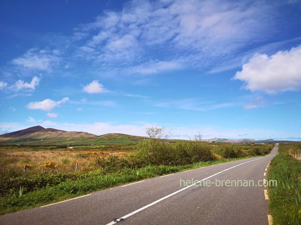 Cruach Mharhain and ballyferriter road 123244